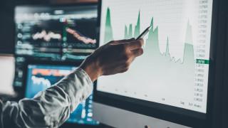 Луди ли сте, ако инвестирате дългосрочно?