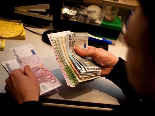 Продават ви по-скъпо, защото сте чужденец? Брюксел с план да промени това