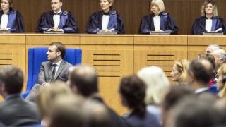 Макрон защити антитерористичния закон ден при отмяна на извънредното положение