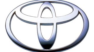 Тойота въвежда система, която разчита пътните знаци