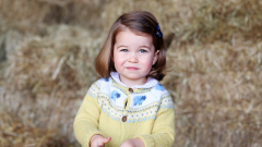 Кейт Мидълтън снима дъщеря си по случай рождения й ден (СНИМКИ)