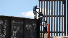 Тръмп влага нови $7,2 млрд в стената по границата с Мексико