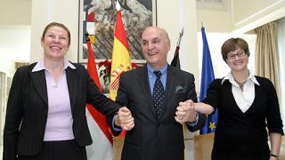Испанският посланик: Не бързайте към Еврозоната