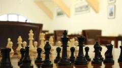 Ян Непомнящи и Ван Хао започнаха с победи на турнира на претендентите