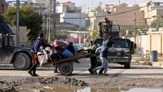 """Пентагонът: """"Ислямска държава"""" все по-рядко атакува с камиони бомби в Мосул"""