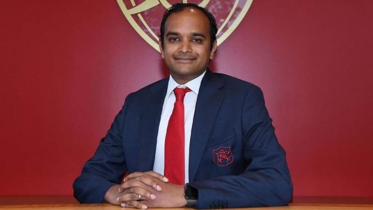 Английският Арсенал се разделя със спортния си директор Раул Санлехи,