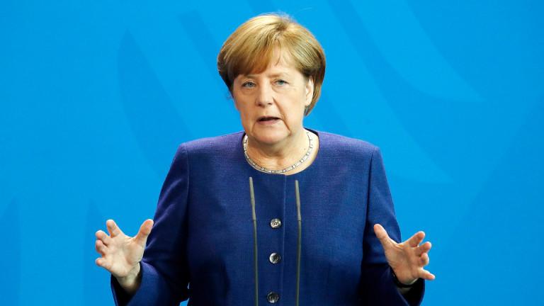 Меркел предлага кризата с КНДР да се реши, както ядрената програма на Иран