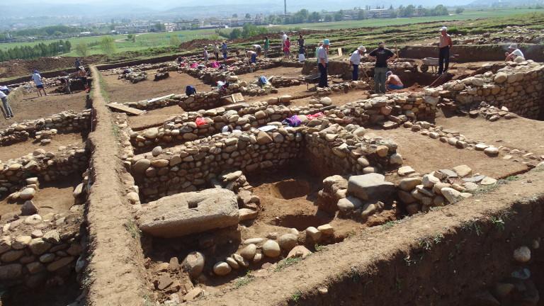 """В Благоевград мъдрят древното селище и трасето на АМ """"Струма"""""""