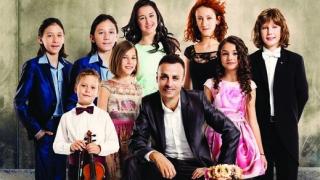"""Fibank и фондация """"Димитър Бербатов"""" с благотворителен календар в подкрепа на талантливите деца на България"""