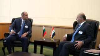 Показваме на Ирак как се прави преход към демокрация