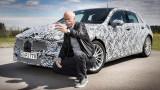 Шефът на Daimler си направи селфи с новия Mercedes A-класа