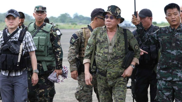 Президентът на Филипините Родриго Дутерте отвърна на удара на американски