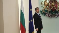 Охранители изведоха Беновска от отчета на президента