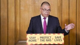 Здравните власти в Британия предупредиха, че и ваксинираните могат да са заразни