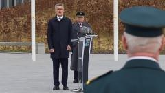 Столтенберг: НАТО възпира Русия, помага за пандемията и не намалява военни разходи