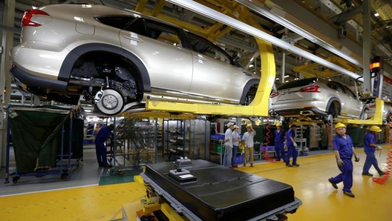 Автоиндустрията в тази страна има сериозен проблем. И 1 000 000 работни места са в риск