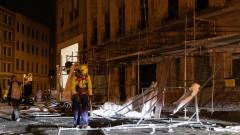 "Ураганът ""Сабине"" остави десетки хиляди без ток, спря стотици полети и влакове"