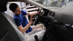 От Италия до Словакия: Автомобилните компании затварят заводите си в Европа