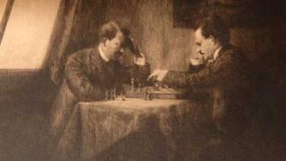 Хитлер и Ленин играли заедно шах?