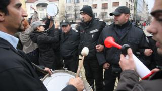 Полицията опази депутатите