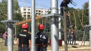 Ревизоро иска път за пожарните, както за линейките