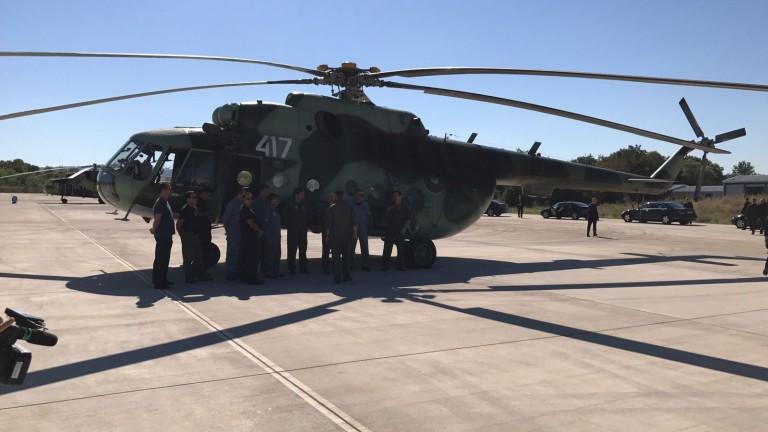 Борисов изпрати хеликоптер да гаси пожара в Изворище