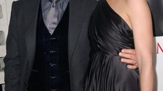 Том Круз плаши Кейти Холмс с развод
