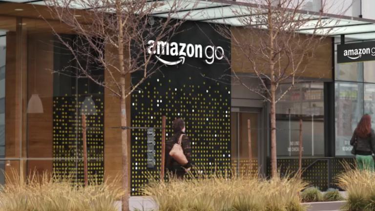 Защо Amazon плаща по $5000 на служителите, които искат да напуснат?