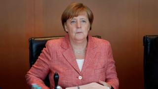 Меркел очаква Великобритания да остане партньор след Брекзит
