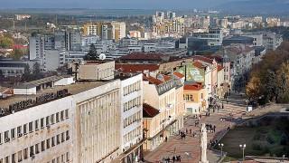 Нов протест на служителите в екарисажа в Шумен