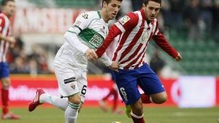Барселона и Юнайтед продължават битката за Коке