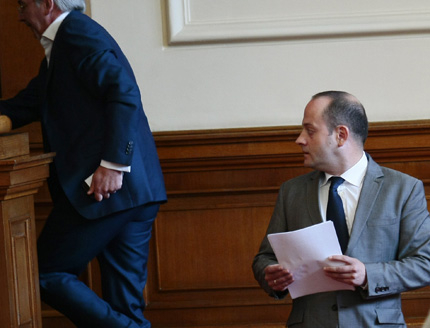 Правителствена криза при провал на съдебната реформа, предрича Радан Кънев