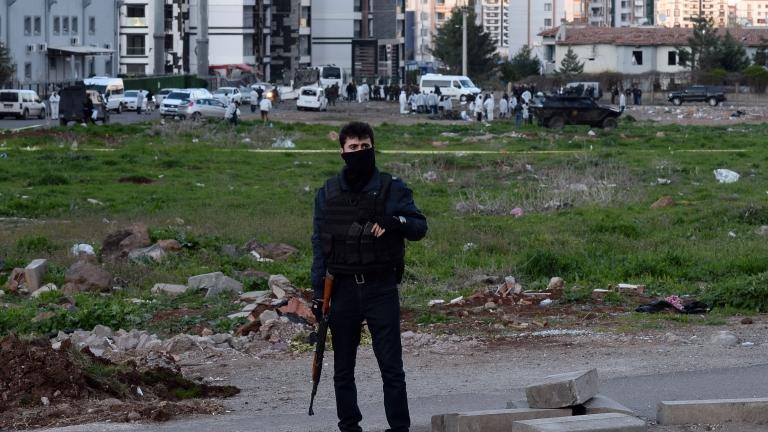Хванаха микробус с 3 тона експлозиви в Анадола