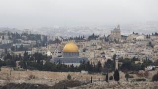 Израел очаква още държави да преместят посолствата си в Йерусалим