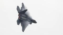 САЩ пак хвърлят изтребители F-22 в Сирия в отговор на руските С-300