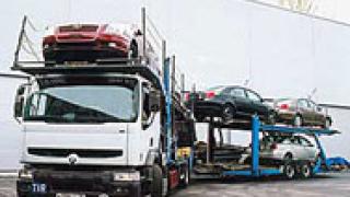 Два автовоза разпиляха товара си край Велико Търново
