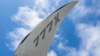 """Новият самолет """"Боинг 777X"""" завърши първия си тестов полет"""