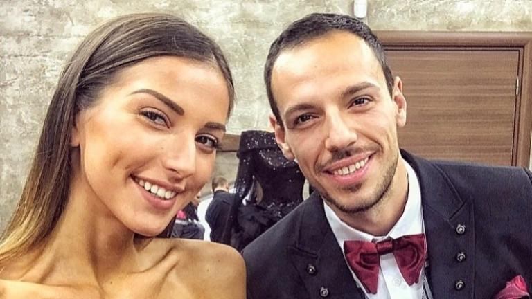 ВзаимоотношениятамеждуДаниел Петканов и Александра Богданска, вече Петканова, преминахапрез доста перипети