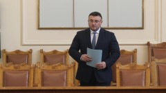 Маринов не изключва да хване още полицаи, търгували с дрога