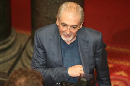 Държавата да гарантира интереса на гражданите, настоя Местан