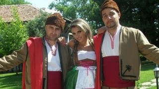 Ще има ли сватба за Румънеца и Божидара?