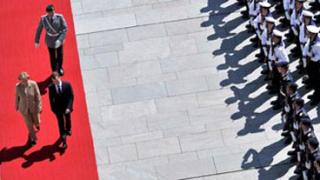 Германия постла червения килим за Медведев