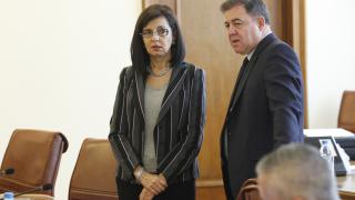 Не всяка оценка означава оставка, успокоява Кунева