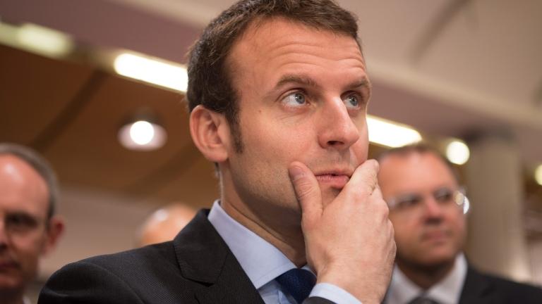 Спад на популярността на френския президент Еманюел Макрон преди лятната