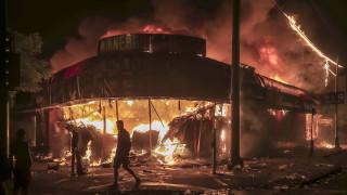 Трети ден анархия в САЩ заради смъртта на чернокож в ръцете на полицията