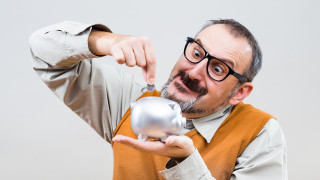Странните реакции на мозъка, когато мислим за пари