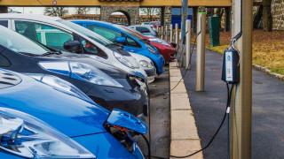 Китай си подсигури лидерството в производството на електромобили със...