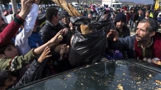 Най-малко 260 души пострадаха при безредици в Идомени