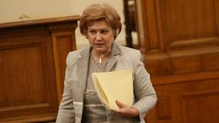 Менда Стоянова атакува Нинова, че алармира ЕС за субсидиите, а не предлага алтернатива