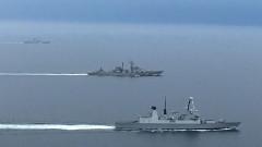 Британски разрушител се превърна в сянка на два руски бойни кораба на Ламанша